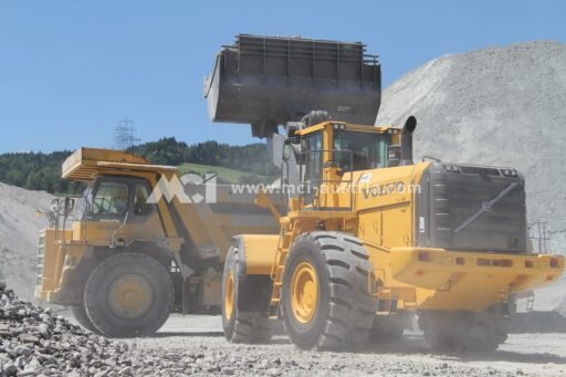 Operation of mining equipment